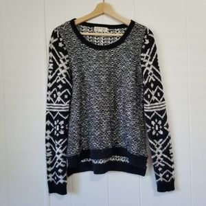 Pink Rose | Black & White Sweater | SZ L